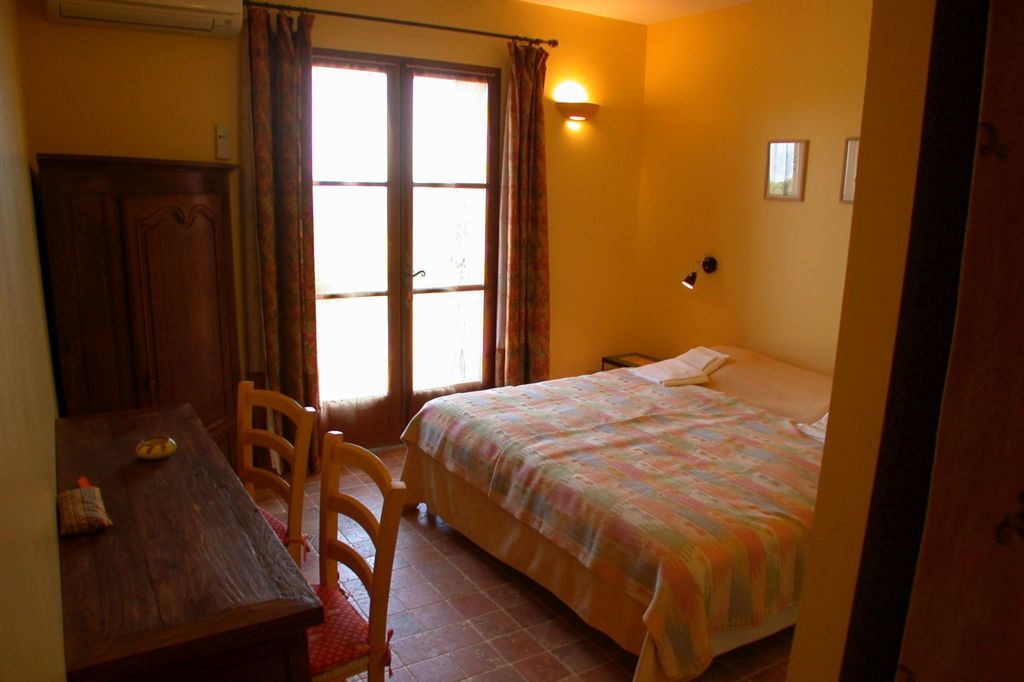 Slaapkamer Mimosa Villa la Douce Noa Provence