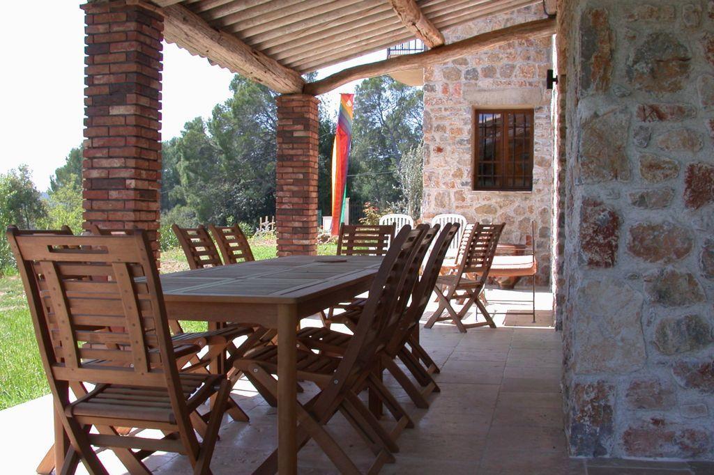 Terras met eetkamertafel Villa La Douce Noa Provence Lorgues