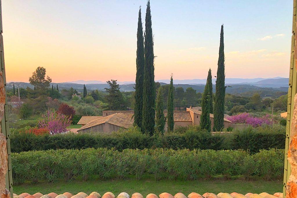 Uitzicht Villa la Douce Noa in Lorgues Provence Zuid Frankrijk