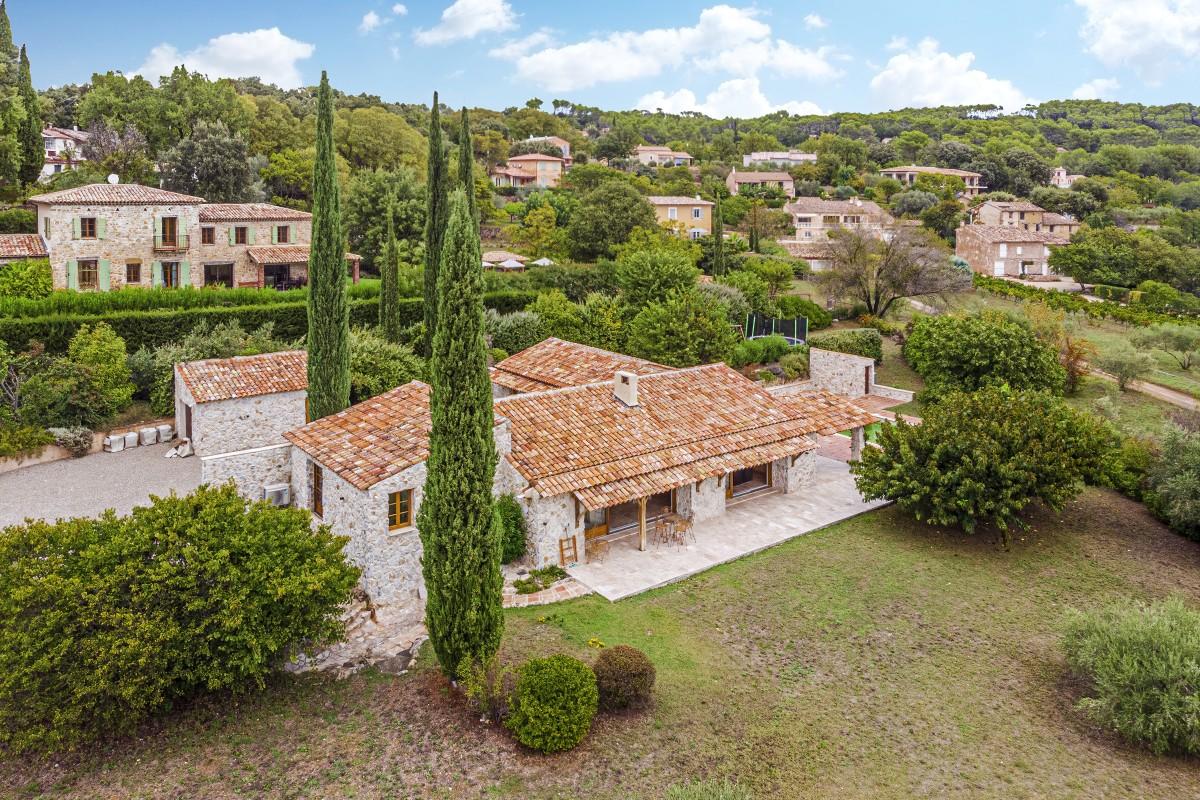 Luchtfoto van Villa La Douce Vince
