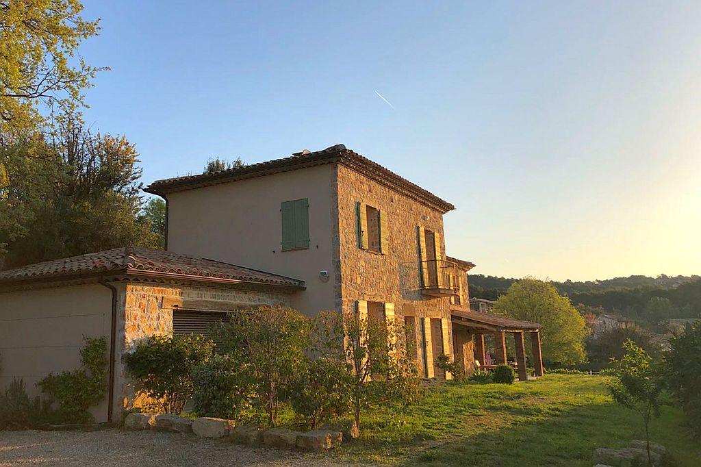 Villa la Douce Noa in Lorgues Provence Zuid Frankrijk zonsondergang
