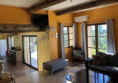 De woonkamer van Villa la Douce Noa Provence