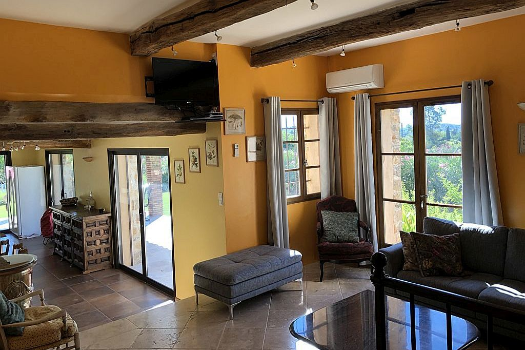 https://www.villa-ladouceprovence.nl/wordpress/wp-content/uploads/Woonkamer-Villa-la-Douce-Provence-1024x682-IMG_7890.jpg