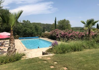 Het zwembad van Villa la Douce Noa Provence