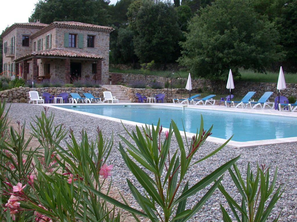 Zwembad en Villa La Douce Provence Noa Lorgues