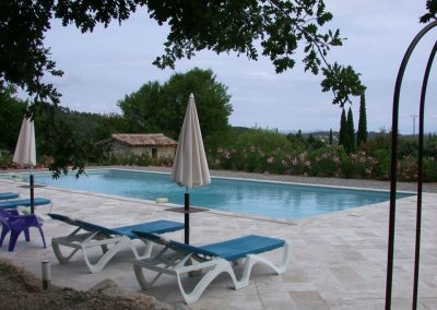 Zwembad met uitzicht van Villa La Douce Noa Provence Lorgues